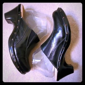 Sofft Leather mules clogs black sz 7.5